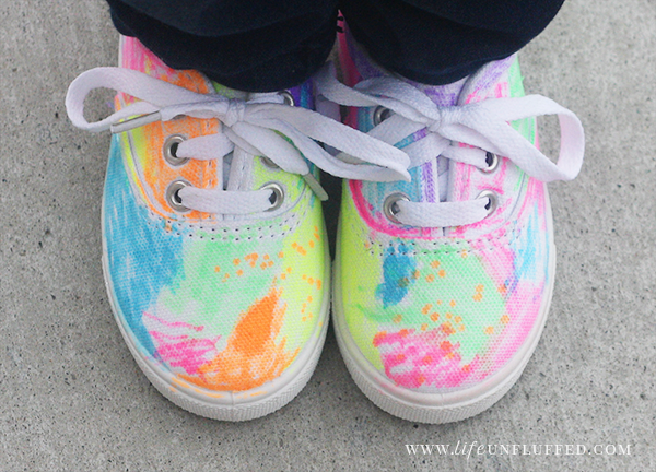 coloring on shoes