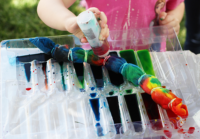 toddler tie dying party
